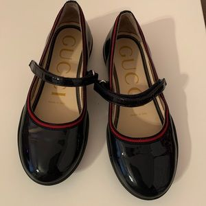 Gucci patent leather ballet flat size 28.